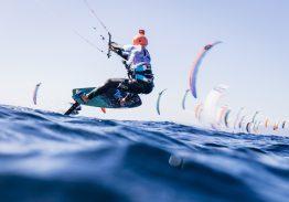 A Cagliari 'si vola' con il kiteboarding